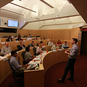 Professor Hauskenect teaching an Executive Masters of Human Resource Management class